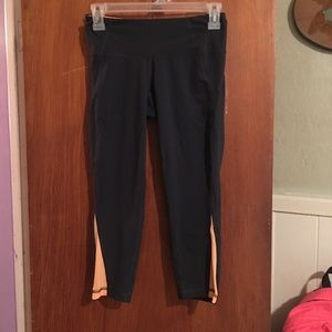 Old Navy capri leggings sz XS